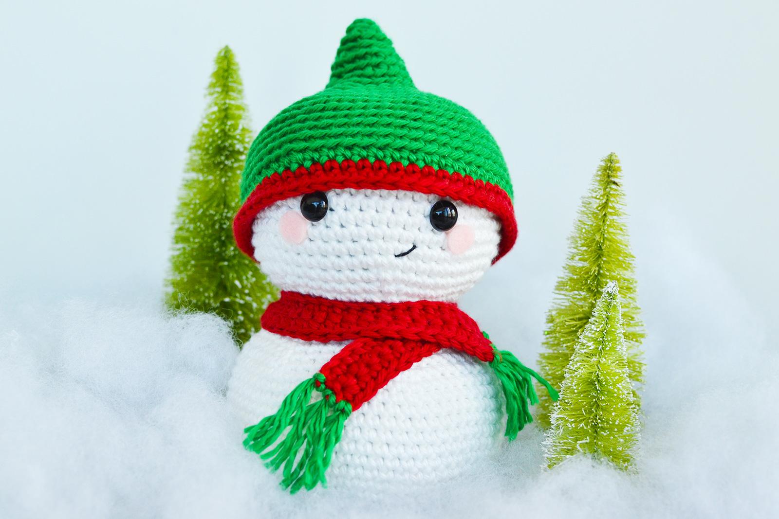 Crochet Snowmen Head Ornaments [FREE Amigurumi Pattern+Tutorials]   1067x1600