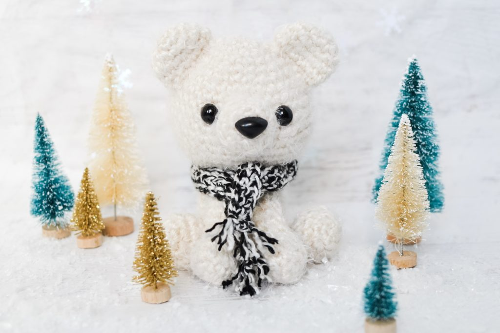Cuddle Me Bear amigurumi pattern - Amigurumi Today | 683x1024
